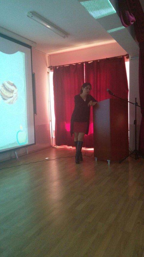 Sungurbey Anadolu Lisesi'nde diyetisyenimiz Serap Cavlak tarafından sağlıklı beslenme sunumu gerçekleştirildi